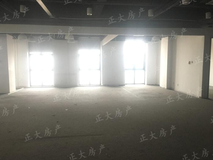 万达广场F区 1室0厅 201.00万