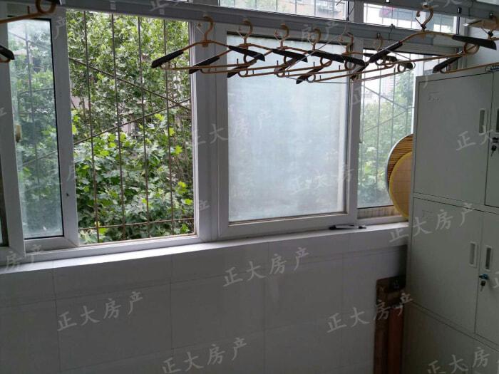 银龙小区宏达园 2室2厅 1350.00元
