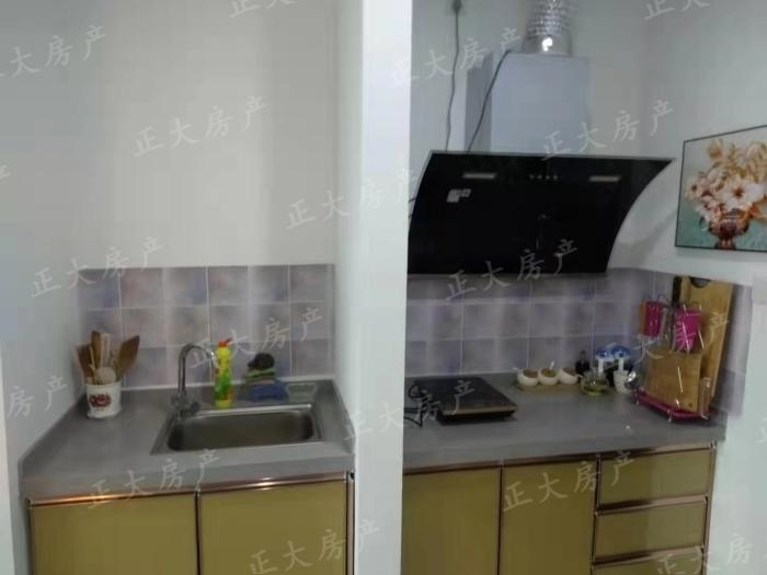 中储广场 1室1厅 1500.00元