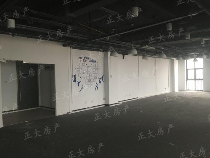 万达广场F区 1室0厅 396.00万