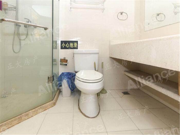 滨江商务大厦 1室1厅 2000.00元