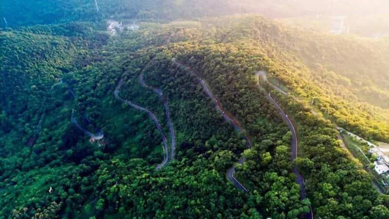 老山南临长江,北依滁河,是南京最主要的森林公园和城市绿楔,其位于图片